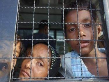 اختفاء أربعة من أطفال الروهنجيا كانوا يتلقون العلاج في مركز للملاريا