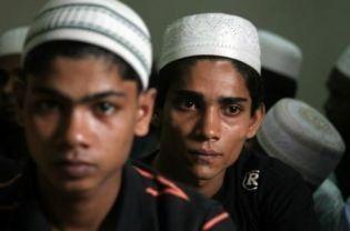 إندونيسيا تقبض على 35 لاجئاً روهنجيا أرادوا اللجوء إلى استراليا