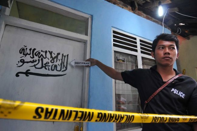 إندونيسيا تعتقل شخصاً متهماً بتمويل عملية تفجير سفارة بورما