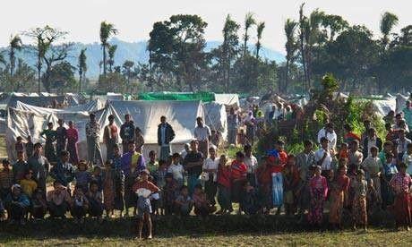 قوات الأمن البورمية تداهم منازل المسلمين وتعتقل الكثير من القرويين