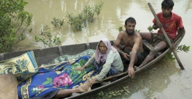 خمسة قتلى وعشرات المفقودين في غرق مركب للروهينغا