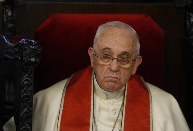 """بابا الفاتيكان """"قلق"""" لمصير المهاجرين البنغال والروهينغا المسلمين"""