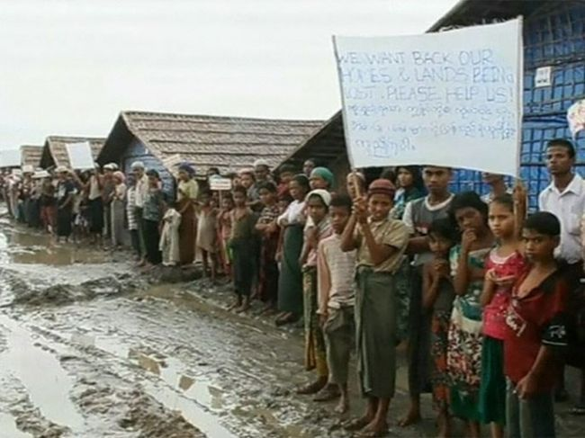 آلاف الاشخاص يفرون من اعمال العنف فى غرب بورما
