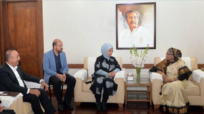 رئيسة وزراء بنغلادش تستقبل عقيلة أردوغان في دكا