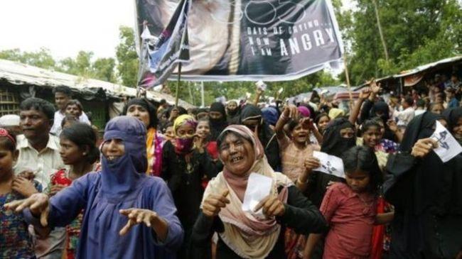 الروهينجا يحيون ذكرى حملة ميانمار العسكرية ضدهم باحتجاجات في بنغلاديش